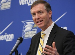 Willie Fritz Welcomes Players for 2014 Season