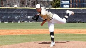 Stormy Petrels Knock Off No. 3 Emory on Road, 7-6‏