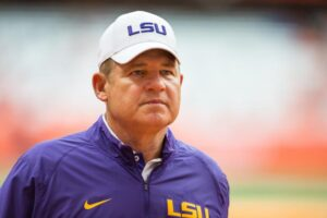 Why Les Miles Deserved to Be Fired